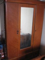 Шкаф фанерный лакированный