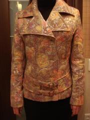 Продаю куртку фирмы .