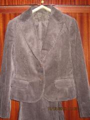 Продам женский вельветовый костюм размер